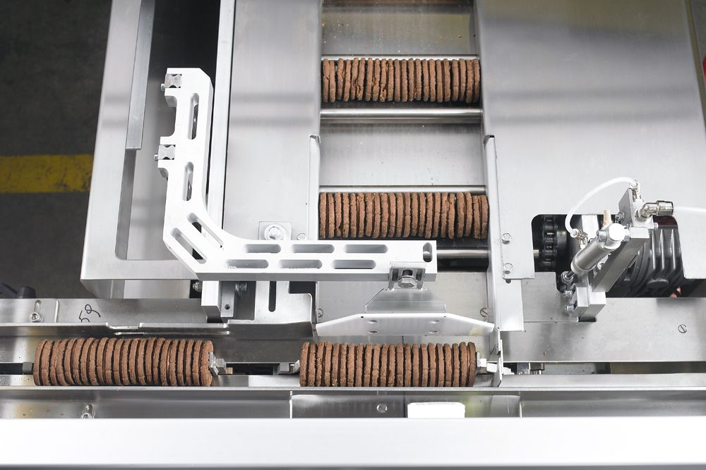 GSP 75 EVO for products on edge with 90° bar conveyor